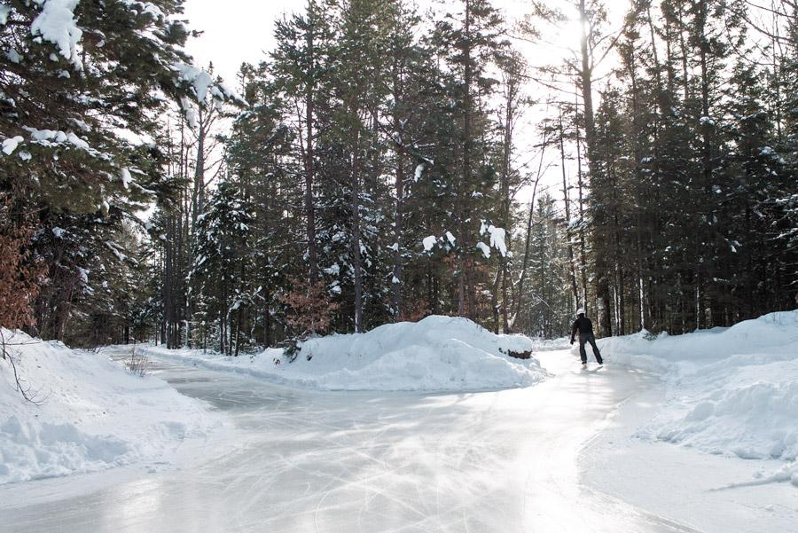 Le lac de Ladoga la pêche de la nouvelle avec